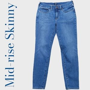 """J. Crew 8"""" Mid-Rise Skinny Jeans Size 28"""